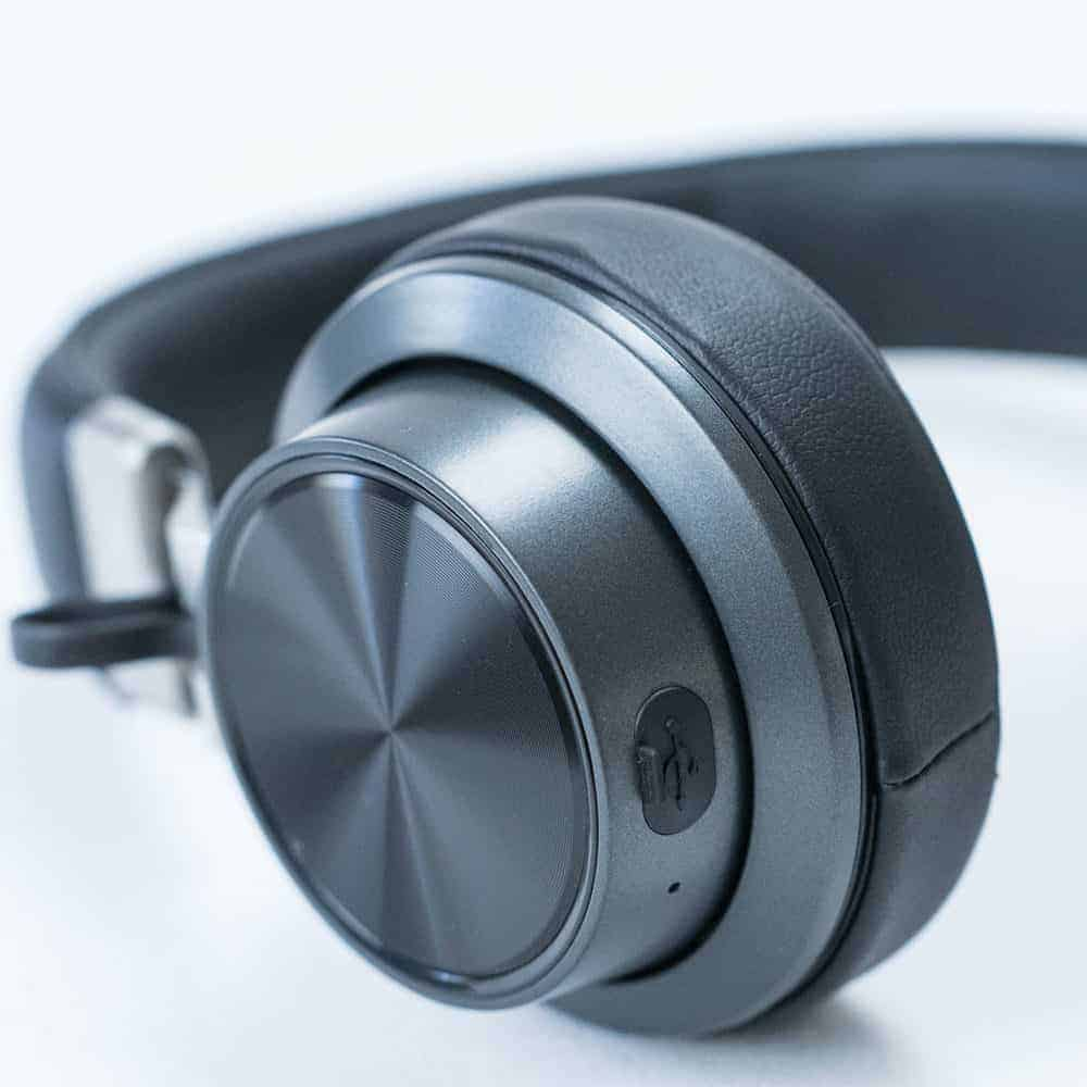 auriculares negros